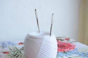 手芸糸と針
