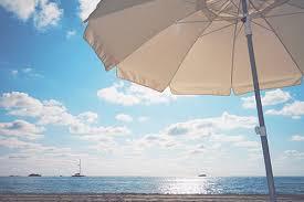 海辺のパラソル